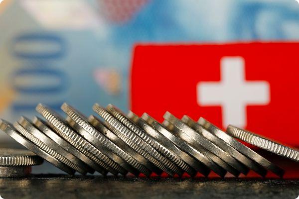 Marché monétaire :doit-on investir sur la devise Franc Suisse ?par Mathieu AMACHER